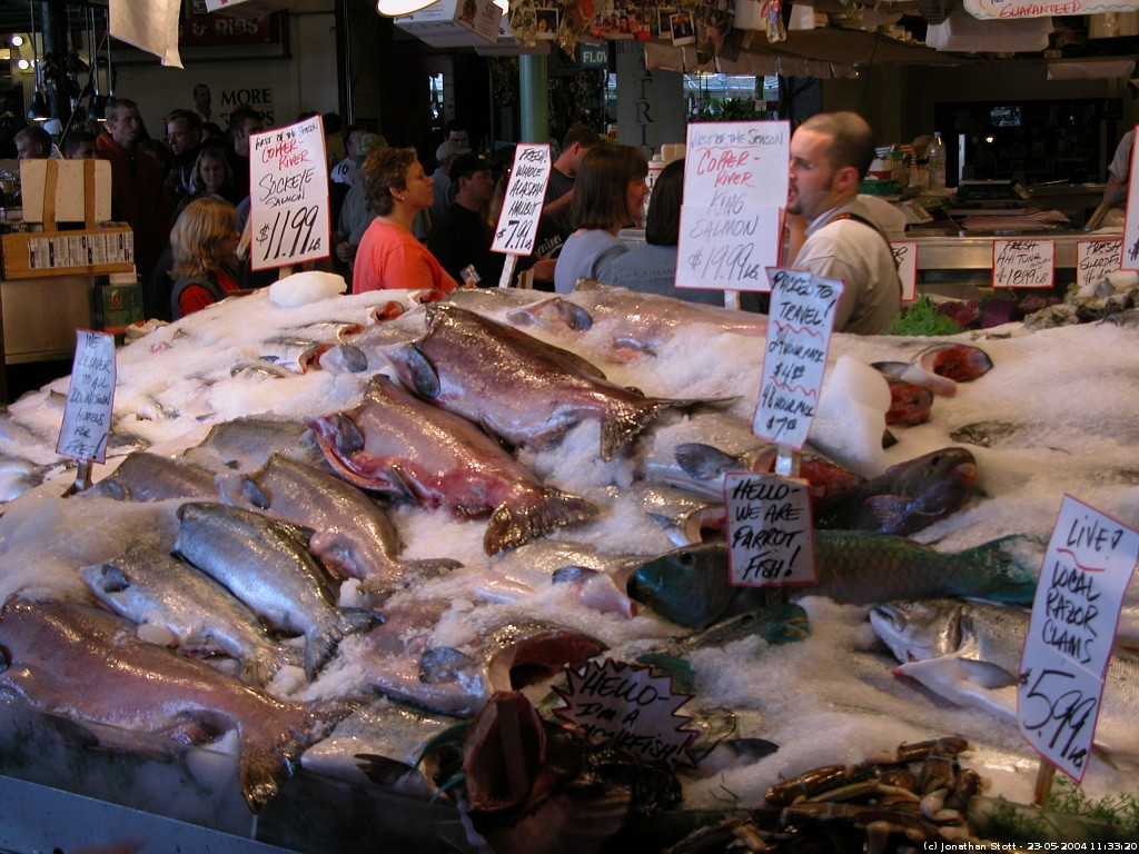 Seattle fish stall at pike place for Fish market seattle